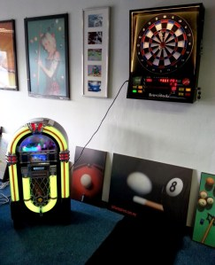 Jukebox with Bravo Darts