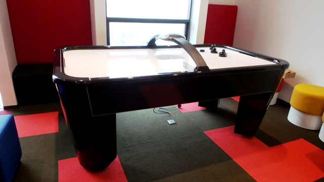 Easten Air Hockey @ Plaza33