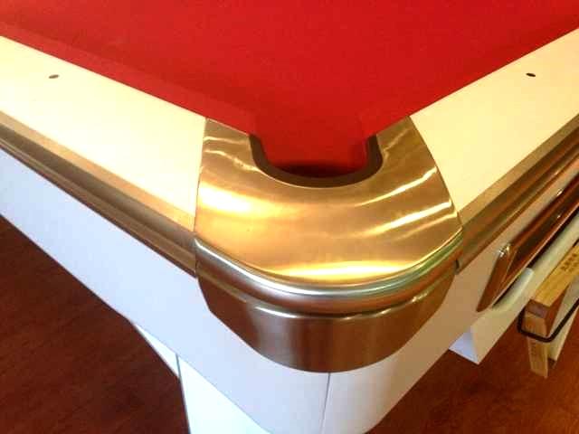 V6 Table Corner Pocket