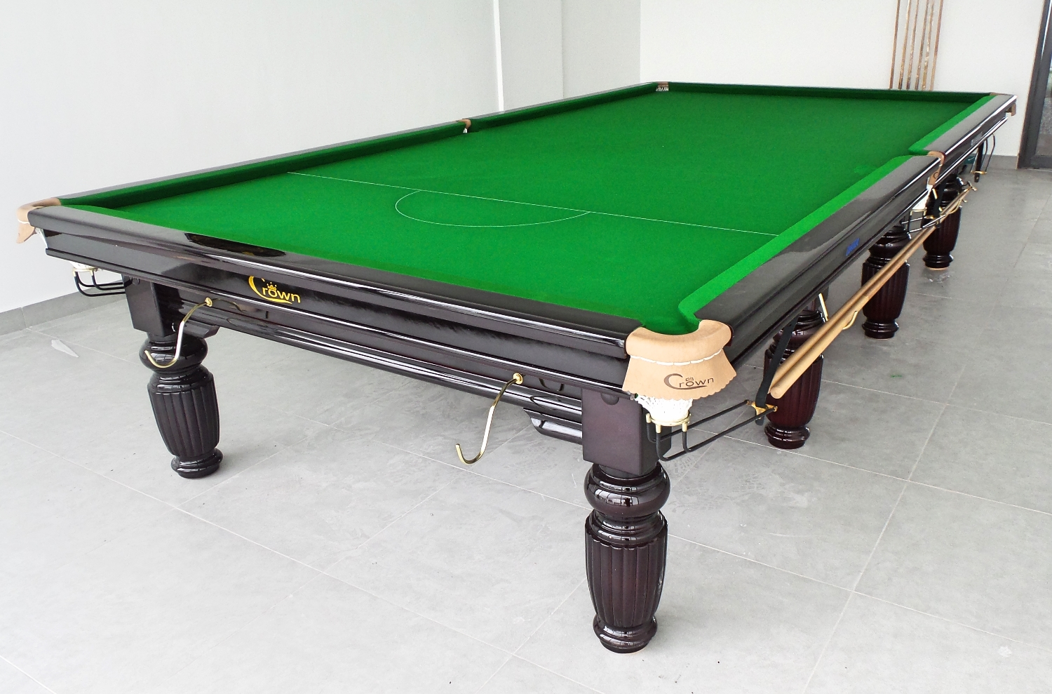 The Big Daddy Of Billiards The Crown 12ft Snooker Table