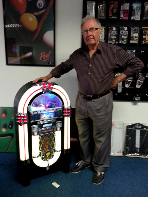 Chief eight ball with mini jukebox